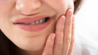 虫歯が原因で嫌な臭いが発生する理由と対処法について